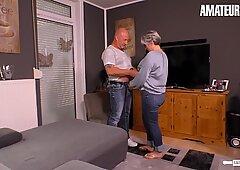 Hausfrau Ficken - Mature Granny Loves Her Neighbours Big Hard Cock