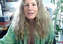 Unshaven queen granny KRING with natural large milk cans