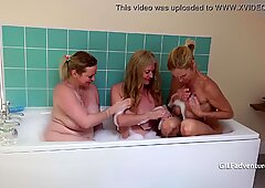 Three British matures take a bath together