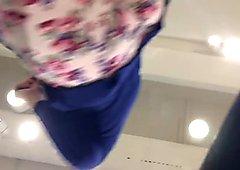 Chava de falda azul se dio cuenta y le gusto
