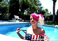 Sexy chick with pink hair fucked in the pool