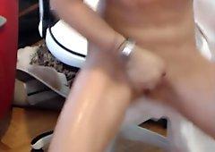 Unforgettable kin Squirts Her Creamy Cum