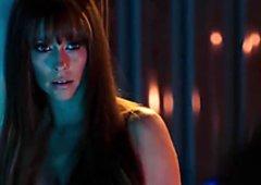 Jennifer Love Hewitt amazing curves