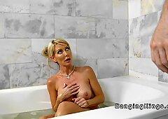 Dude caught stepmom masturbating in bathtub