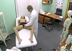 Amateur Babe Gets Banged By Her Doctor