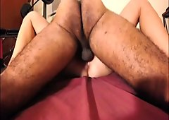 Hairy amateur wife pushes squeezes missionary cums