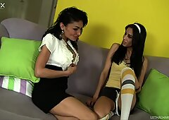 Exotic cougar Persia Pele is horny for cute and kinky Aries Stone