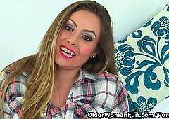 brit milf Sophia Delane opens up her poundable fanny
