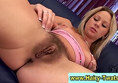 Watch this hairy box bitch finger and toy herself