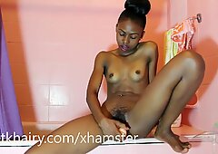 Raya playing with her pussy by using a good toy
