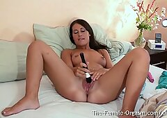 Young Jess West Has Long Vulva Twitching Orgasm From Vibe