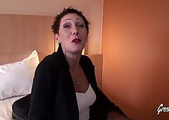 Carole se tape deux jeunes pour ses 50 ans